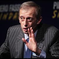Piero Fassino, candidato sindaco del centrosinistra a Torino,  apre la campagna elettorale al Teatro Carignano intervistato da Giovanni Minoli. 10 Aprile 2011.