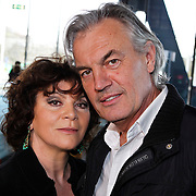 NLD/Hilversum/20100223 - Perspresentatie AVRO serie Bloedverwanten, Henriette Tol en Derek de Lint