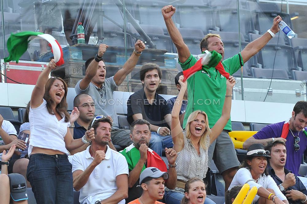 Roma, 17/06/2011..Swatch World Championships Rome2011. Foro Italico..Nicolai-Martino ITA vs Herrera-Gavira ESP. Tra il pubblico del centrale Laura Freddi. .Foto Simone Ferraro - GMT..