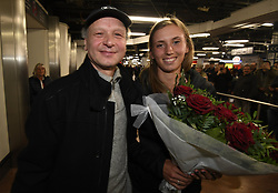 January 27, 2018 - Bruxelles, BELGIQUE - BRUSSELS, BELGIUM - JANUARY 27:  Belgian tennis player Elise Mertens and her father Guido (semi finalist at the Australia Open) pictured during her come back in Brussels Airport Belgium on january 27, 2018 in Brussels, Belgium, 27/01/2018 (Credit Image: © Panoramic via ZUMA Press)