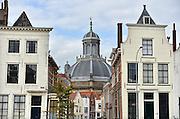 Nederland, Middelburg, 14-9-2014De oude binnenstad van de provinciehoofdstad. Veel historische bebouwing getuigen van een rijk verleden met grote welvaart tijdens de gouden eeuw. de grote koepel van de protestantse kerk.FOTO: FLIP FRANSSEN/ HOLLANDSE HOOGTE