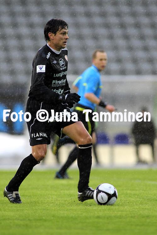 17.04.2010, Stadion, Lahti..Veikkausliiga 2010, FC Lahti - FF Jaro..Jari Litmanen - FC Lahti.©Juha Tamminen.