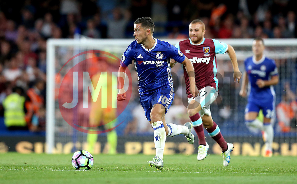 Eden Hazard of Chelsea runs with the ball - Mandatory by-line: Robbie Stephenson/JMP - 15/08/2016 - FOOTBALL - Stamford Bridge - London, England - Chelsea v West Ham United - Premier League