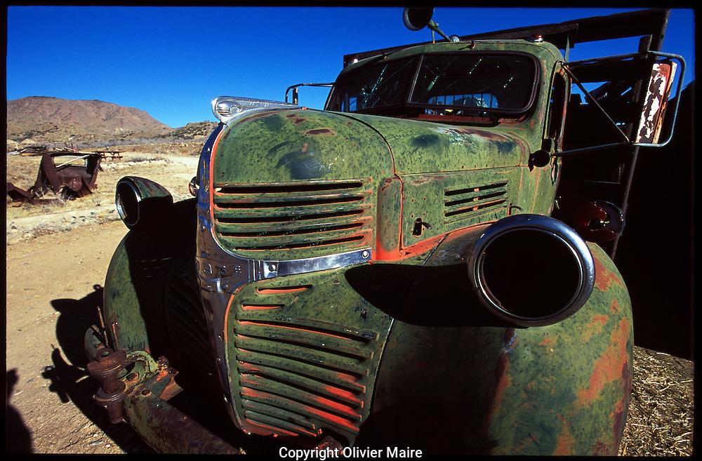 Une vieille voiture sur la route 66 aux Etats-Unis (USA), fevrier 2003. (PHOTO-GENIC.CH/ OLIVIER MAIRE)