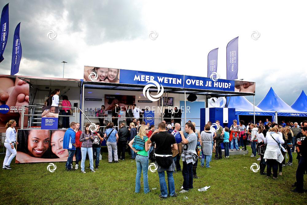 LIESHOUT - Bavaria Open Air Festival. Met op de foto  de Nivea Stand. FOTO LEVIN DEN BOER - PERSFOTO.NU
