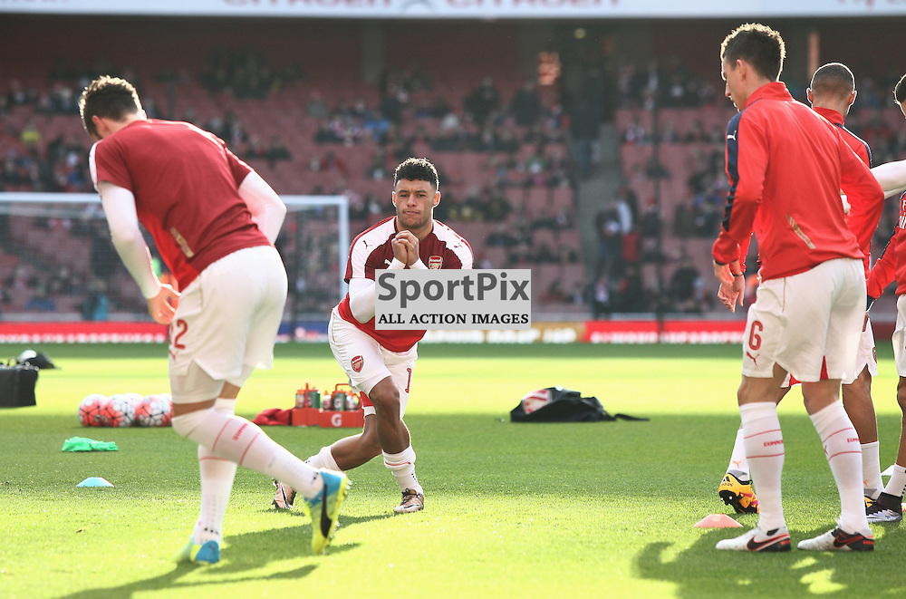 Alex Oxlade- Chamberlain warms up before the Emirates FA Cup Fourth Round game against Burnley Arsenal Vs Burnley, FA Cup Fourth Round, 30.01.2016 (c) Joshua Smith | SportPix.org.uk