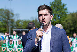 NEWTOWN, WALES - Sunday, May 6, 2018: Huw Inner sings the national anthem before the FAW Welsh Cup Final between Aberystwyth Town and Connahs Quay Nomads at Latham Park. (Pic by Paul Greenwood/Propaganda)