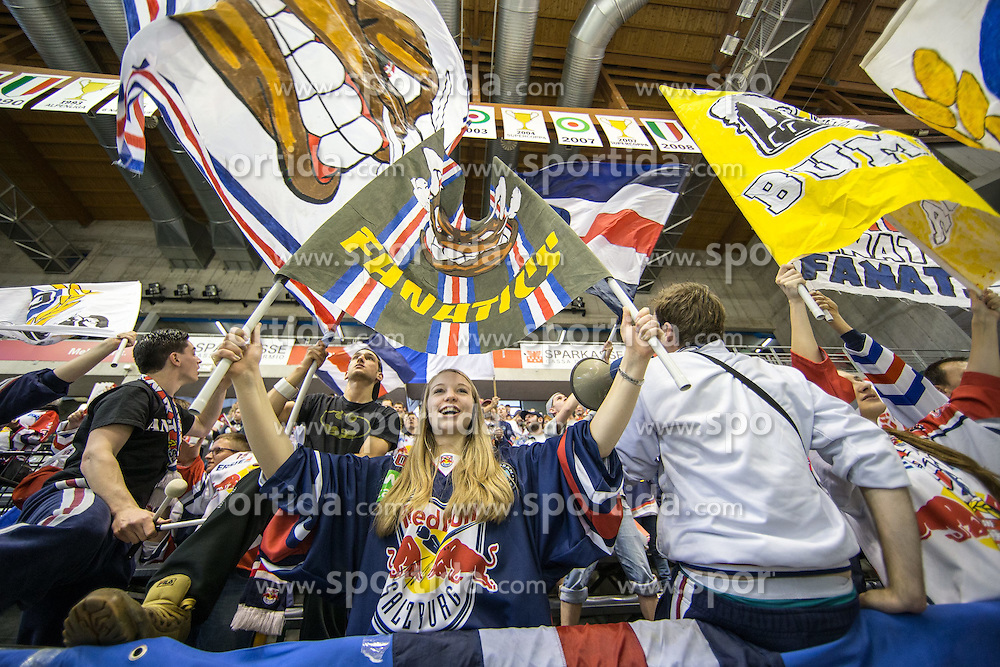 06.04.2014, Eiswelle, Bozen, ITA, EBEL, HCB Suedtirol vs EC Red Bull Salzburg, Finale, best of five, 2. Spiel, im Bild Fans aus Salzburg // Fans aus Salzburg during the Erste Bank Icehockey League Final 2nd match between HCB Suedtirol and EC Red Bull Salzburg at the Eiswelle in Bozen, Italy on 2014/04/06. EXPA Pictures © 2014, PhotoCredit: EXPA/ Johann Groder