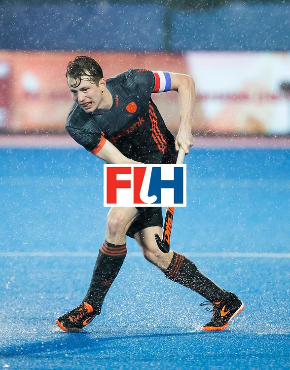 BHUBANESWAR -  Seve van Ass (Ned)  tijdens de Hockey World League Finals , de wedstrijd om de 7e plaats, Engeland-Nederland (0-1).   COPYRIGHT KOEN SUYK