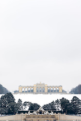 THEMENBILD - Schönbrunn liegt im 13. Wiener Gemeindebezirk Hietzing. Das Schloss Schönbrunn ist das größte Schloss und eines der bedeutendsten und meistbesuchten Kulturgüter Österreichs. Wie auch der Schlosspark gehört es zum UNESCO-Weltkulturerbe., im Bild die Gloriette. Aufgenommen am 03. Februar 2017 // Schönbrunn is in the 13th municipal District of Vienna Hietzing. The Schönbrunn palace is the largest castle and one of the most important and most popular cultural properties of Austria. The palace as well as the castle grounds are part of the UNESCO World Cultural Heritage, This picture shows the Gloriette, Vienna, Austria on 2017/02/03. EXPA Pictures © 2017, PhotoCredit: EXPA/ Sebastian Pucher
