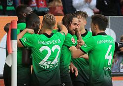 20171021, 1.BL FCA vs Hannover 96, WWK Arena Augsburg, Fussball, Sport, im Bild:..Jubel zum 1:2 , Niclas Fuellkrug (Hannover96) mit seine Teamskameraden...*Copyright by:  Philippe Ruiz..Postbank Muenchen.IBAN: DE91 7001 0080 0622 5428 08..Oberbrunner Strasse 2.81475 MŸnchen, .Tel: 089 745 82 22, .Mobil: 0177 29 39 408..( MAIL:  philippe_ruiz@gmx.de ) ..Homepage: www.sportpressefoto-ruiz.de. (Credit Image: © Philippe Ruiz/Xinhua via ZUMA Wire)
