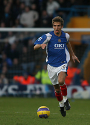 PORTSMOUTH, ENGLAND - SATURDAY, DECEMBER 9th, 2006: Gary O'Neil of Portsmouth during the Premiership match at Fratton Park. (Pic by Chris Ratcliffe/Propaganda)