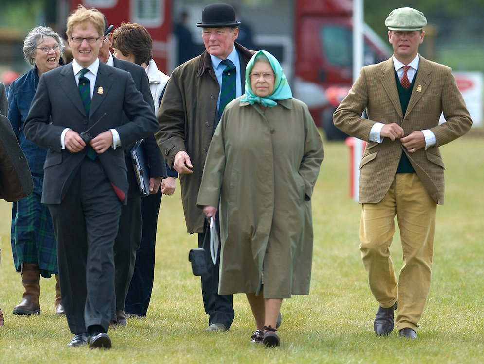 Windsor Great park, HRH Queen Elizabeth during the New Forest pony presentation and a tour of the stands of the Windsor Horse Show