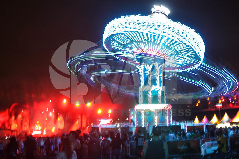 SÃO PAULO, SP, 05.12.2015 - FESTIVAL-SP - Festival Electric Daisy Carnival (EDC) pela primeira vez no Brasil, no autódromo de Interlagos região sul de São Paulo neste sábado, 05. (Foto: Marcos Moraes/Brazil Photo Press)
