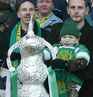 Photo. Andrew Unwin<br /> Yeovil v Liverpool, FA Cup Third Round, Huish Park, Yeovil 04/01/2004.<br /> Yeovil fans with their own FA Cup replica.