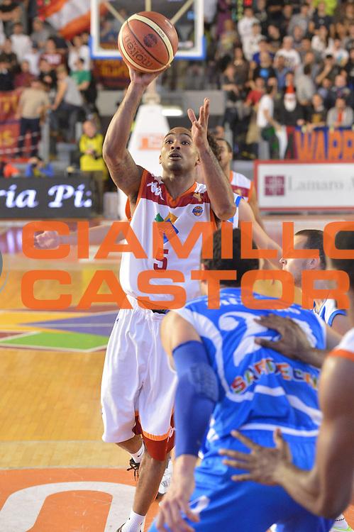 DESCRIZIONE : Roma Lega A 2012-13 Acea Roma Banco di Sardegna Sassari<br /> GIOCATORE : Phil Goss<br /> CATEGORIA : tiro<br /> SQUADRA : Acea Roma<br /> EVENTO : Campionato Lega A 2012-2013 <br /> GARA : Acea Roma Banco di Sardegna Sassari<br /> DATA : 23/12/2012<br /> SPORT : Pallacanestro <br /> AUTORE : Agenzia Ciamillo-Castoria/GiulioCiamillo<br /> Galleria : Lega Basket A 2012-2013  <br /> Fotonotizia :  Roma Lega A 2012-13 Acea Roma Banco di Sardegna Sassari<br /> Predefinita :
