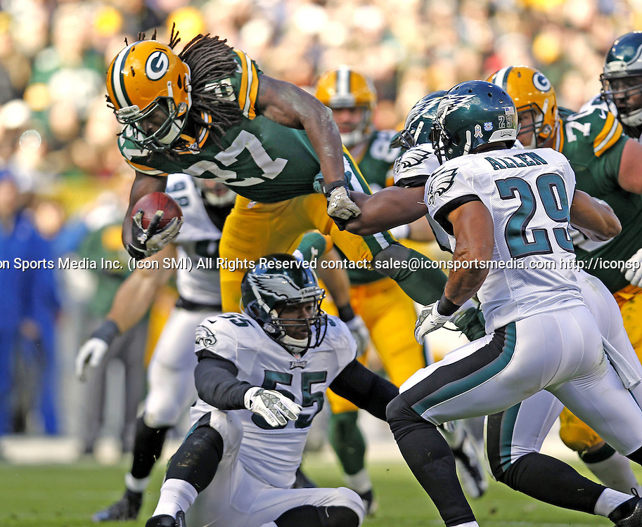 Nov. 10, 2013 - Green Bay, WI, USA - Eddie Lacy (27) of the Green Bay Packers picks up a first down in the second quarter against the Philadelphia Eagles at Lambeau Field in Green Bay, Wis., on Sunday, Nov. 10, 2013. The Eagles beat the Packers, 27-13