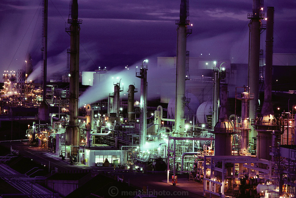 Oil refinery in Rodeo, California. (1984).