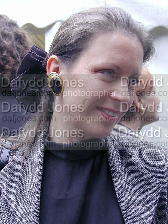Frieda Hughes. Faber & Faber summer party. Sq. London. <br />© Copyright Photograph by Dafydd Jones 66 Stockwell Park Rd. London SW9 0DA Tel 020 7733 0108 www.dafjones.com