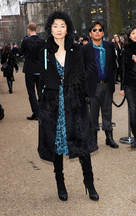 21.FEBRUARY.2011. LONDON<br /> <br /> MAGGIE CHEUNG ARRIVING AT BURBERRY PRORSUM SHOW FOR LONDON FASHION WEEK IN KENSINGTON GARDENS, LONDON<br /> <br /> BYLINE: EDBIMAGEARCHIVE.COM<br /> <br /> *THIS IMAGE IS STRICTLY FOR UK NEWSPAPERS AND MAGAZINES ONLY*<br /> *FOR WORLD WIDE SALES AND WEB USE PLEASE CONTACT EDBIMAGEARCHIVE - 0208 954 5968*
