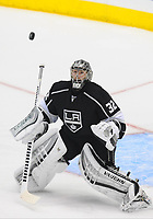 24 May 2014 Los Angeles Kings Goalie Jonathan Quick 32  makes A Save during Game 3 of The Western Conference Final between The Chicago Blackhawks and The Los Angeles Kings AT The Staples Center in Los Angeles Approx NHL Ice hockey men USA May 24 Stanley Cup Playoffs Western Conference Final Blackhawks AT Kings Game 3 <br />