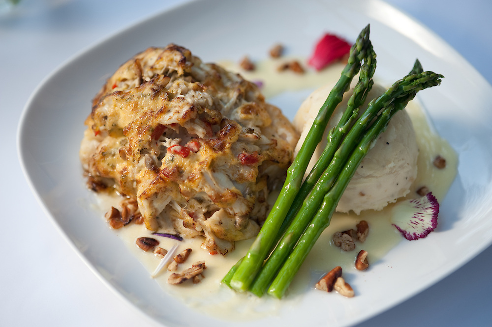 Crabcake and asparagus