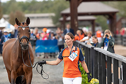 Dorien Van der Lee, running with horse of, Den Dulk Nicole, NED, Wallace NOP<br /> World Equestrian Games - Tryon 2018<br /> © Hippo Foto - Dirk Caremans<br /> 17/09/2018