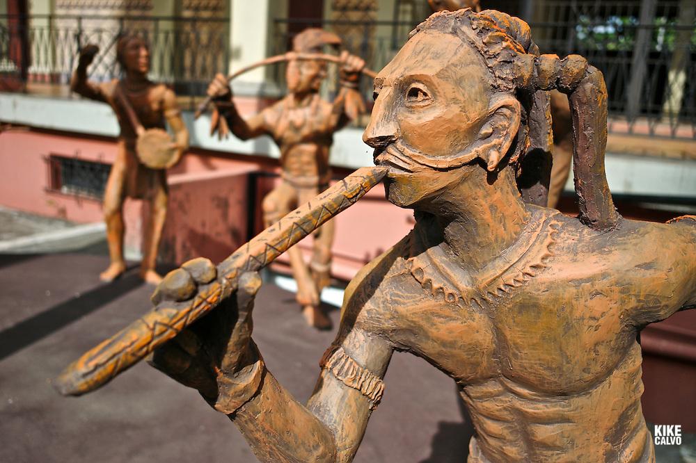 Dancer in honor of the God of Cocoa. Palacio de la Cultura. Managua.
