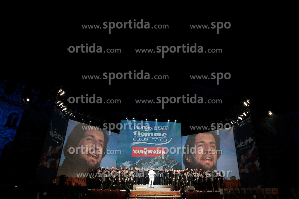 20.02.2013, Piazza Duomo, Trento, ITA, FIS Weltmeisterschaften Ski Nordisch, Eroeffnungsfeier, im Bild Goran Bregovic and chorus // Goran Bregovic and chorus during the Opening Ceremony of the FIS Nordic Ski World Championships 2013 at the Piazza Duomo, Trento, Italy on 2013/02/20. EXPA Pictures © 2013, PhotoCredit: EXPA/ Federico Modica