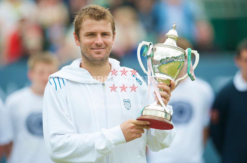 LIVERPOOL, ENGLAND - Saturday, June 20, 2009: Champion Mardy Fish (USA) with the Boodles & Dunthorpe Trophy after the Men's Final on Day Four of the Tradition ICAP Liverpool International Tennis Tournament 2009 at Calderstones Park. (Pic by David Rawcliffe/Propaganda)