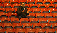Photo: Andrew Unwin.<br /> Middlesbrough v Liteks Lovech. UEFA Cup. 15/12/2005.<br /> A solitary Middlesbrough supporter applauds his team at the start of the second half.