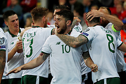 October 9, 2017 - Cardiff, Pays de Galles - Republic of IrelandÃ•s Robbie Brady and team mates celebrate after James McClean scored their first goal (Credit Image: © Panoramic via ZUMA Press)