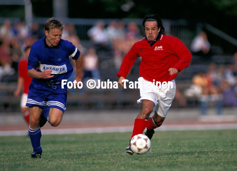 23.07.1997.Pedro Massacessi (FC Jazz Pori) v Andrei Borissov (Lantana Tallinn).©Juha Tamminen
