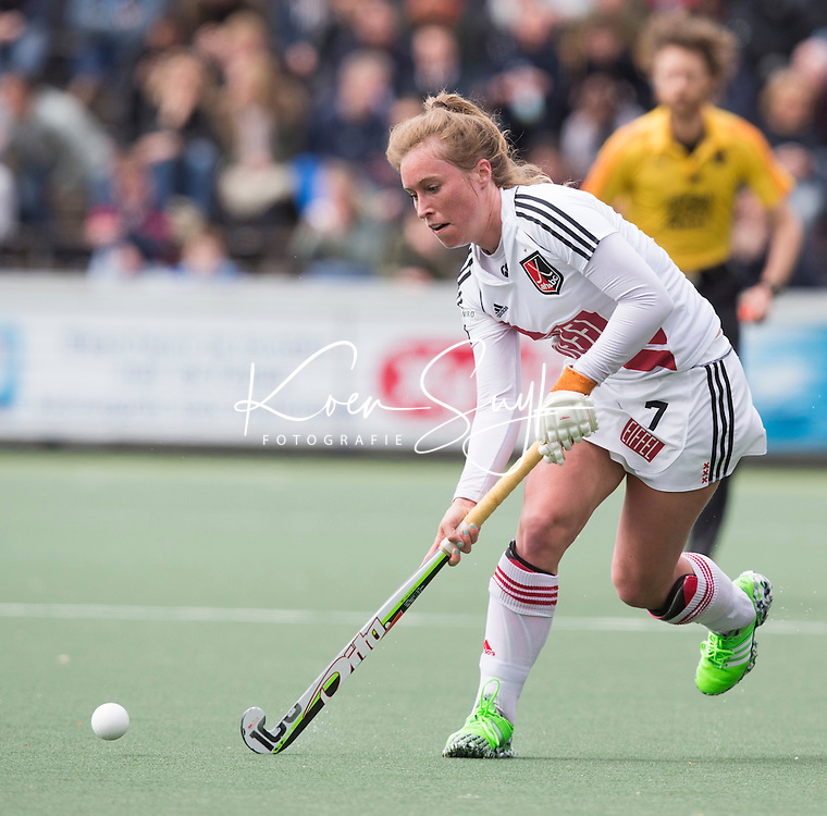 AMSTELVEEN -  Marili Visch (A'dam)  tijdens de tweede halve finalewedstrijd in de Play offs tussen Amsterdam en  SCHC (2-0).  Amsterdam gaat door naar de finale. COPYRIGHT KOEN SUYK