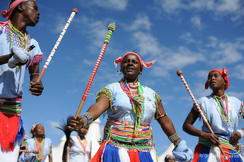 Zuid Afrikaanse traditionele Xhosa dans tijdens Freedom Day op 27 april.