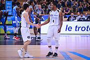 DESCRIZIONE : Trento Lega A 2014-15 Dolomiti Energia Trento Banco di Sardegna Sassari<br /> GIOCATORE : Sanders Jamarr<br /> CATEGORIA : Fair Play Mani sguardi<br /> SQUADRA : Dolomiti Energia Trento<br /> EVENTO : playoff gara 2 Lega A 2014-2015<br /> GARA : Dolomiti Energia Trento Banco di Sardegna Sassari<br /> DATA : 20/05/2015<br /> SPORT : Pallacanestro<br /> AUTORE : Agenzia Ciamillo-Castoria/M.Ozbot<br /> Galleria : Lega Basket A 2014-2015 <br /> Fotonotizia: Trento Lega A 2014-15 Dolomiti Energia Trento Banco di Sardegna Sassari