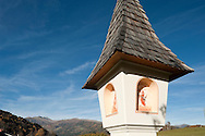 Wayside shrine on the outskirts of the small town of Gmünd, in the Lieser Valley, Alpe Adria Trail, Carinthia, Austria (November 2015) © Rudolf Abraham