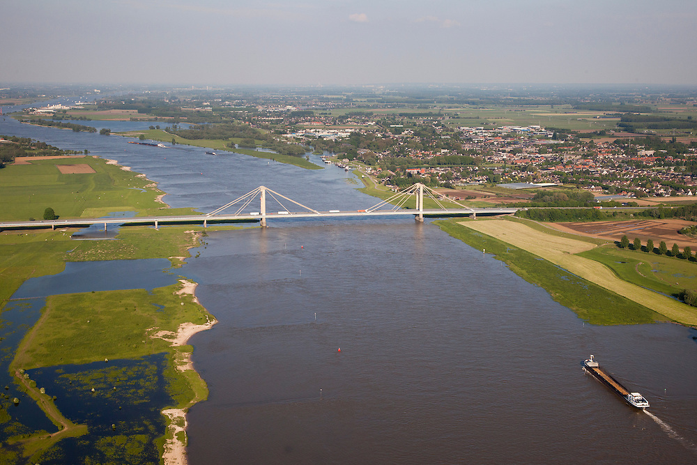 Nederland, Gelderland, West Maas en Waal, 27-05-2013; Prins Alexanderbrug over de Waal bij Beneden-Leeuwen.<br /> Bridge across river Waal (Rhine).<br /> luchtfoto (toeslag op standaardtarieven);<br /> aerial photo (additional fee required);<br /> copyright foto/photo Siebe Swart.