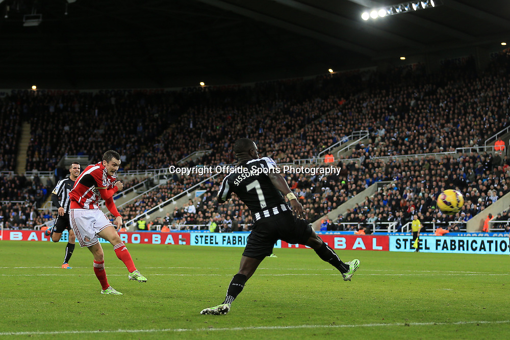21st December 2014 - Barclays Premier League - Newcastle United v Sunderland - Adam Johnson of Sunderland scores their 1st goal - Photo: Simon Stacpoole / Offside.