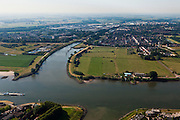 Nederland, Zuid-Holland, Vianen, 08-07-2010; Lek met uiterwaarden, de Pontswaard met ingang Merwedekanaal..Floodplains river Lek with entrance canal..luchtfoto (toeslag), aerial photo (additional fee required).foto/photo Siebe Swart