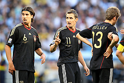 03.07.2010, CAPE TOWN, SOUTH AFRICA, im Bild .Sami Khedira, Miroslav Klose and Thomas Mueller of Germany during the Quarter Final, Match 59 of the 2010 FIFA World Cup, Argentina vs Germany held at the Cape Town Stadium. .Foto ©  nph /  Kokenge