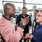 NLD/Amsterdam/20160829 - Seizoenspresentatie RTL 2016 / 2017,  Jandino Asporaat in gesprek met Albert Jan van Rees