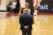 DESCRIZIONE : Milano  Lega A 2011-12 EA7 Emporio Armani Milano Scavolini Siviglia Pesaro play off semifinale gara 2<br /> GIOCATORE : arbitro<br /> CATEGORIA : mani curiosita<br /> SQUADRA : <br /> EVENTO : Campionato Lega A 2011-2012 Play off semifinale gara 2 <br /> GARA : EA7 Emporio Armani Milano Scavolini Siviglia Pesaro<br /> DATA : 31/05/2012<br /> SPORT : Pallacanestro <br /> AUTORE : Agenzia Ciamillo-Castoria/ GiulioCiamillo<br /> Galleria : Lega Basket A 2011-2012  <br /> Fotonotizia : Milano  Lega A 2011-12 EA7 Emporio Armani Milano Scavolini Siviglia Pesaro play off semifinale gara 2<br /> Predefinita :