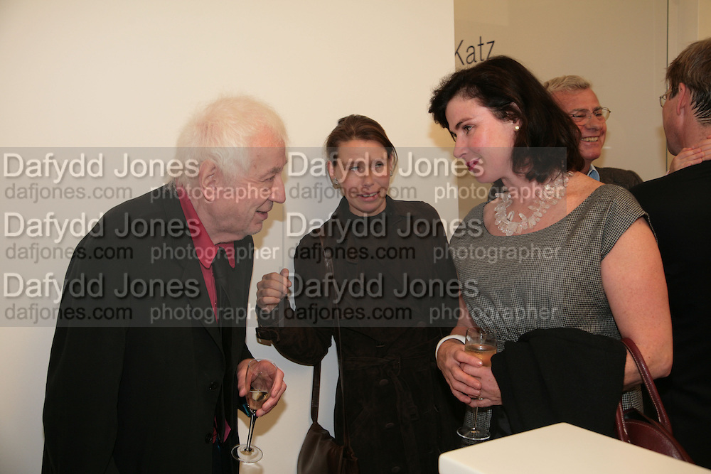CRAIGIE AITCHISON, LADY SARAH CHATTO AND LAURA FABER, Alex Katz 'One Flight Up' at the new Timothy Taylor Gallery , 15 Carlos Place. London. 11 October 2007. -DO NOT ARCHIVE-© Copyright Photograph by Dafydd Jones. 248 Clapham Rd. London SW9 0PZ. Tel 0207 820 0771. www.dafjones.com.