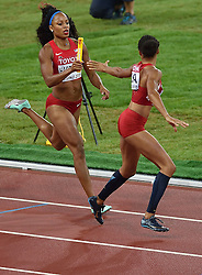 30-08-2015 CHN: IAAF World Championships Athletics day 9, Beijing<br /> De Amerikaanse Allyson Felix en haar teamgenotes Sanya Richards-Ross, Natasha Hastings en Francena McCorory lieten zich in de finale van de 4x400 meter verrassen door Jamaica,<br /> Photo by Ronald Hoogendoorn / Sportida