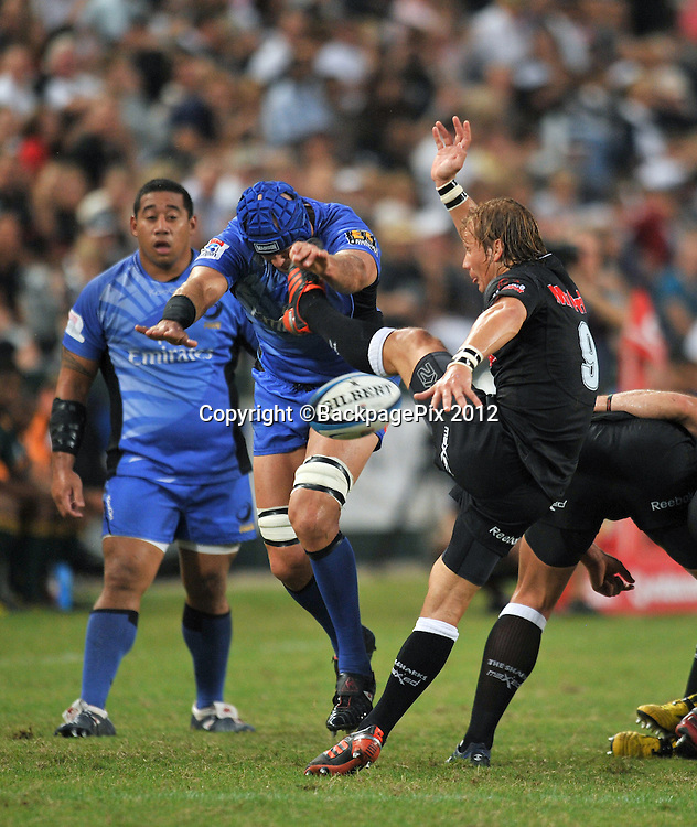 Charl McLeod of the Sharks and Nathan Sharpe of the Western Force<br /> <br /> &copy; Sabelo Mngoma/BackpagePix
