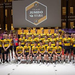 10-12-2019: Wielrennen: Teampresentatie Jumbo Visma: Amsterdam<br />Team Jumbo Visma inclusief Development team