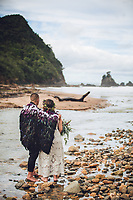 intimate wedding on the beautiful coromandel peninsula at sailors grave bay tairua felicity jean photography small beach ceremony
