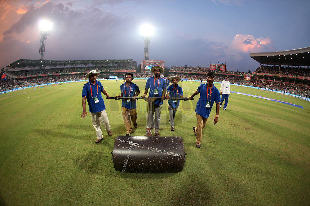 Rollar comes out after pitch preparation during the first qualifier match (QF1) of the Pepsi Indian Premier League Season 2014 between the Kings XI Punjab and the Kolkata Knight Riders held at the Eden Gardens Cricket Stadium, Kolkata, India on the 28th May  2014<br /> <br /> Photo by Saikat Das / IPL / SPORTZPICS<br /> <br /> <br /> <br /> Image use subject to terms and conditions which can be found here:  http://sportzpics.photoshelter.com/gallery/Pepsi-IPL-Image-terms-and-conditions/G00004VW1IVJ.gB0/C0000TScjhBM6ikg