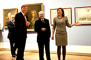 Prins Willem-Alexander heeft in Amsterdam een tentoonstelling over de Russische tsaar Peter de Grote in de Hermitage geopend. De toekomstige koning van Nederland is beschermheer van de Hermitage en een verre nazaat van de Russische tsaar. <br /> <br /> Prince Willem-Alexander in Amsterdam, an exhibition on the Russian Tsar Peter the Great at the Hermitage opened. The future king of the Netherlands is the patron of the Hermitage and a distant descendant of the Russian Tsar.<br /> <br /> Op de foto / On the photo:  Directeur Cathelijne Broers van Hermitage Amsterdam, prins Willem-Alexander en directeur Mikhail Piotrovsky van Hermitage Sint Petersburg